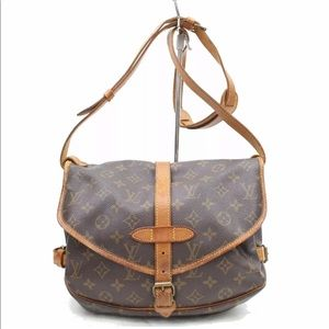 Louis Vuitton Bags - Auth Louis Vuitton Saumur 30 Crossbody Bag